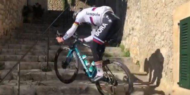Comme a son habitude, Peter Sagan a tenté un défi sur son vélo... qu'il a réussi, mais