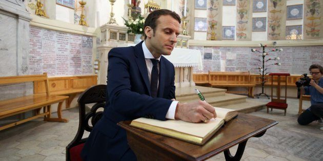 L'Élysée sur Emmanuel Macron qui accepte le titre de chanoine de Latran
