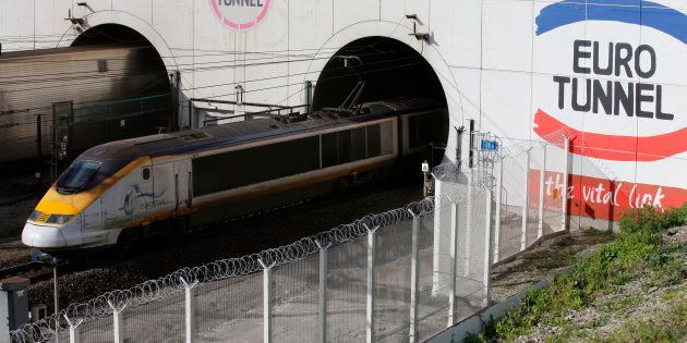 Photo d'illustration d'un train sortant du tunnel sous la Manche, où le trafic a dû être interrompu à...