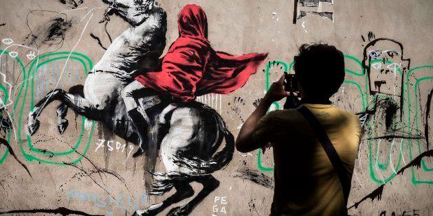 Banksy à Paris: des internautes partagent des images de graffitis sans intérêt pour se moquer de ce qui...
