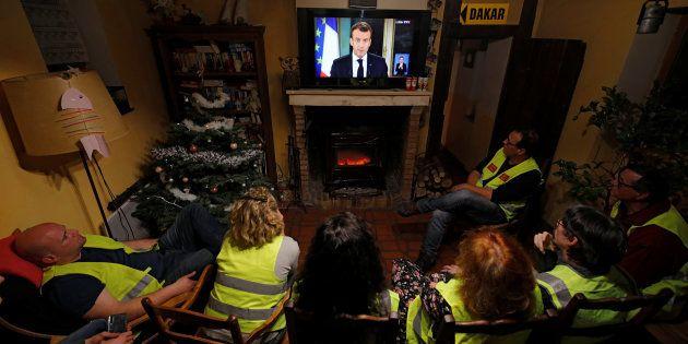 Pendant ce temps, Emmanuel Macron a fait le choix politique d'ignorer purement et simplementvos revendications...