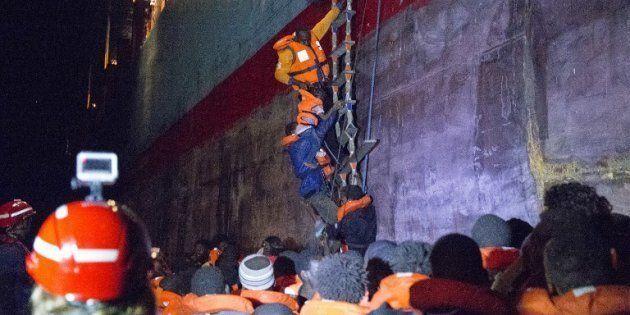 Le Lifeline pourra débarquer à Malte, l'Italie va accueillir une partie des