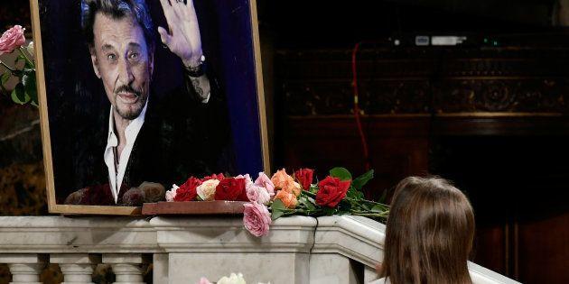 Johnny Hallyday est mort des suites d'un cancer du poumon, le 5 décembre 2017 à l'âge de 74 ans.