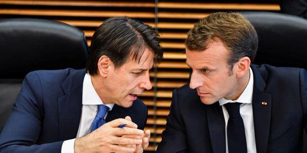 Emmanuel Macron et Giuseppe Conte improvisent une rencontre à