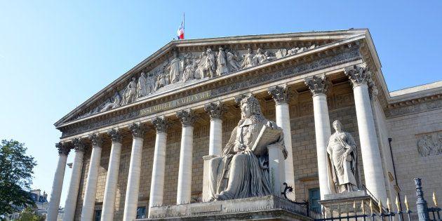 Réforme constitutionnelle: Les débats débutent à l'Assemblée, de nombreux amendements rejetés