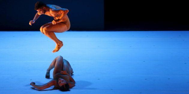 La danse contemporaine, le remède pour aider les accrocs aux écrans à se reconnecter à leur