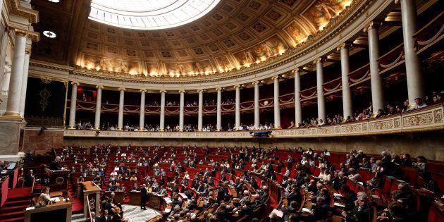 Révision de la Constitution: les députées pourront être remplacées par leurs suppléants en cas de congé