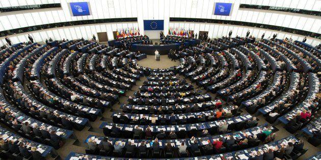 Les eurodéputés interrompent une séance du Parlement européen en soutien à la grève des