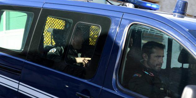 Des gendarmes quittent le Col de Marocaz après avoir emmené Nordahl Lelandais sur les lieux de la découverte...