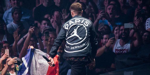 En concert à Paris, Justin Timberlake dévoile une veste de la nouvelle collaboration PSG x Air