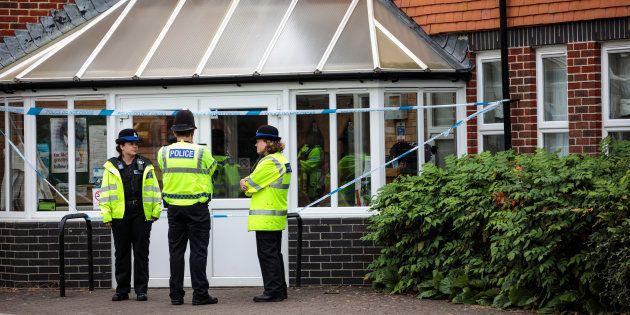 Royaume-Uni: Les deux Britanniques retrouvés dans un état critique ont été exposés au