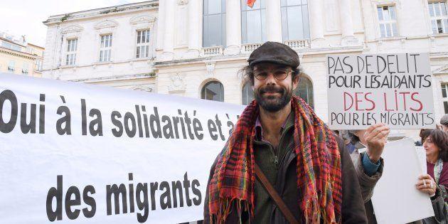 L'agriculteur de la vallée de la Roya Cédric Herrou, condamné pour avoir aidé des migrants, a contesté...