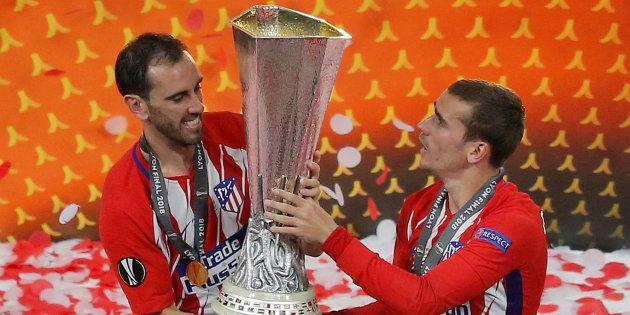 Griezmann et Godin fêtant leur victoire en Ligue Europa à Lyon, le 16