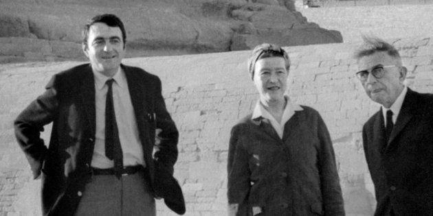 Claude Lanzmann, Simone de Beauvoir et Jean-Paul Sartre devant le Sphinx de