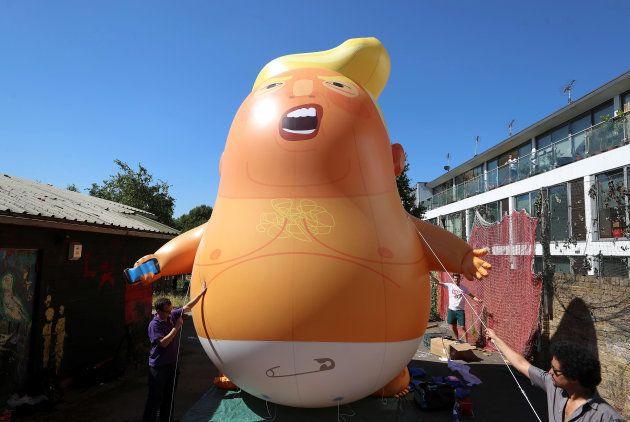 Ce Donald Trump en couche-culotte flottera sur