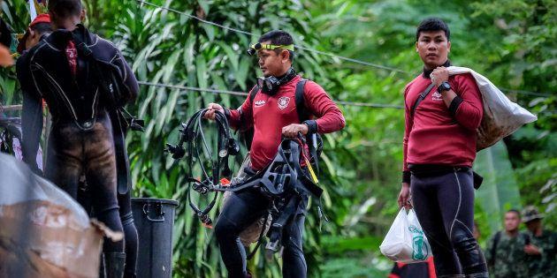 Thaïlande: un sauveteur décède en apportant de l'oxygène aux enfants coincés dans la