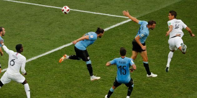 Match France-Uruguay: La superbe tête de Varane qui brise la malédiction uruguayenne des