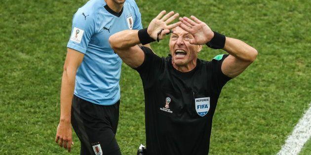 Match France-Uruguay à la Coupe du Monde 2018: L'arbitre Nestor Pitana ne sanctionne pas assez au goût...