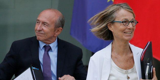 Le ministre de l'Intérieur Gérard Collomb et sa collègue à la Culture, Françoise Nyssen, ont signé un...