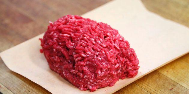 Rappel de lots de viande hachée vendus dans des Leader Price et Casino après la détection
