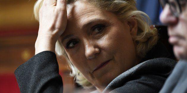 Faute de pouvoir recouvrir ses 2 millions d'euros, le Rassemblement national de Marine Le Pen pourrait...