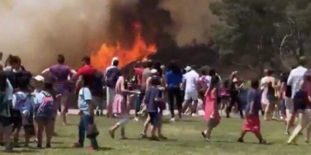À Los Angeles, un gros incendie dévaste les abords du célèbre signe