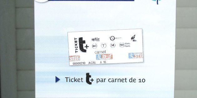 Vous ne verrez bientôt plus par terre le célèbre ticket de métro