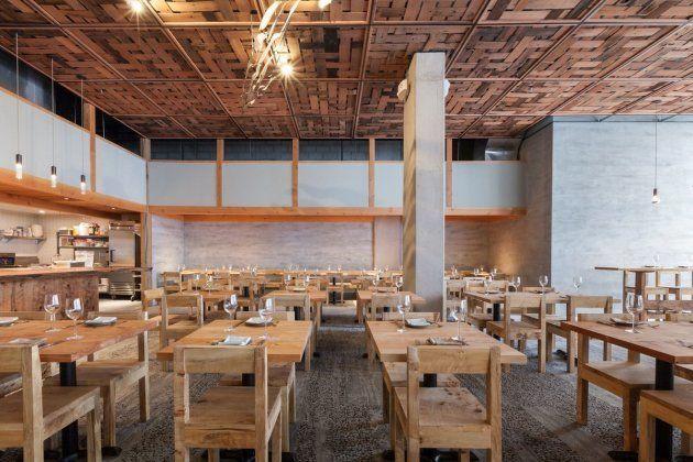 L'intérieur de The Perennial. Une grande partie du bâtiment est faite en bois recyclé, dans le respect...