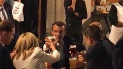 Après l'OTAN, Macron est allé boire une bière et manger des frites sur la Grand-Place de
