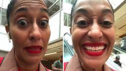 Elle apprend sa nomination aux Emmy Awards à sa descente d'avion à