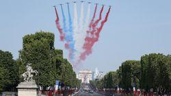 Un drapeau rouge bleu blanc rouge au-dessus des Champs: la boulette de la Patrouille de