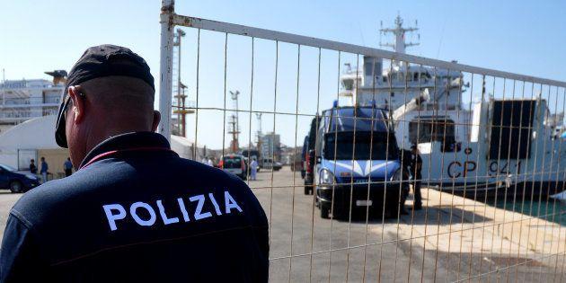 La France accepte d'accueillir 50 migrants présents dans les eaux territoriales