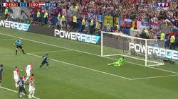 La main croate et le penalty de Griezmann qui donne l'avantage aux Bleus avant la