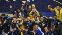 Les images des Bleus soulevant la Coupe du