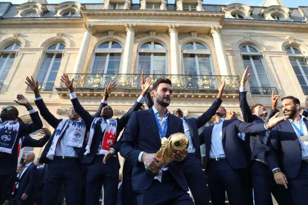 Revivez le défilé des Bleus sur les Champs-Élysées et la réception chez Macron avec le meilleur (et le...