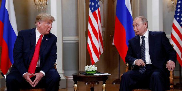 Donald Trump (ici à Helsinki le 16 juillet) reconnaît l'ingérence des Russes dans la présidentielle 2016,...