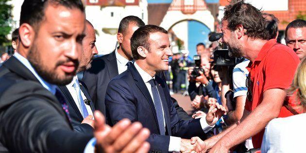 Le Président Macron et son garde du corps Alexandre Benalla lors du second tour des élections législatives...