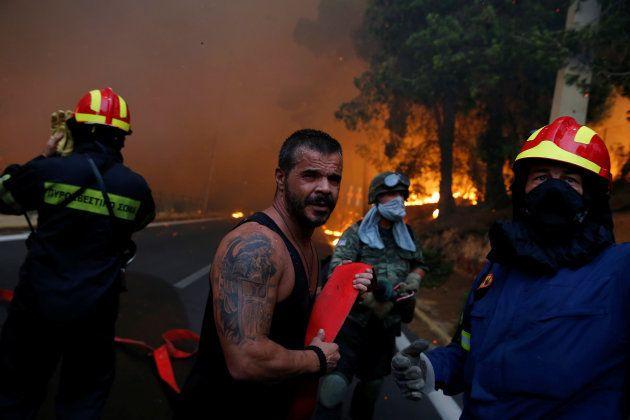Grèce: les terribles incendies autour d'Athènes font des dizaines de