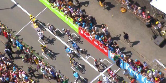 Vous n'avez jamais vu un départ de cyclistes pareil pendant le Tour de