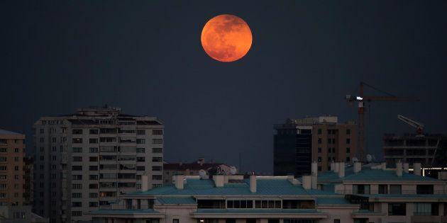 Vous allez assister à la plus longue éclipse de Lune de votre vie, dommage que vous ratiez celle de