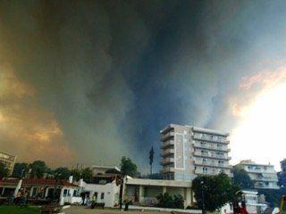 Je viens d'être témoin des incendies en Grèce, voici ce que j'ai vécu heure par