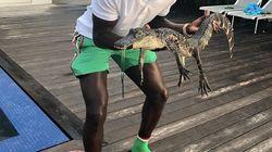 Mendy s'attire les foudres des internautes après avoir posé avec un jeune crocodile