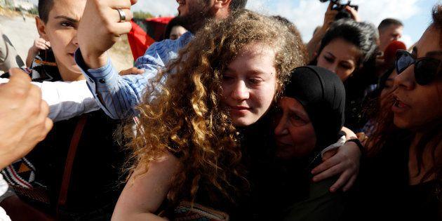 Libération d'Ahed Tamimi, la Palestinienne de 17 ans détenue pendant 8 mois après avoir giflé des soldats