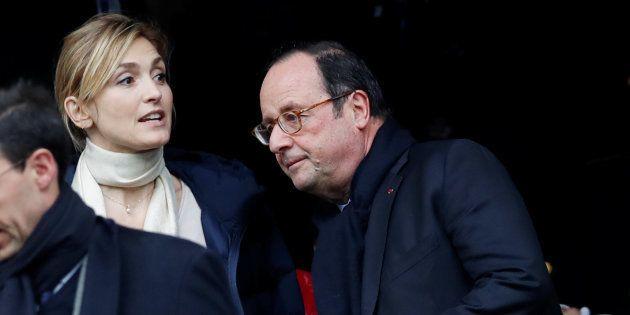 Julie Gayet et François Hollande au stade de France le 10 mars, à l'occasion du tournoi des VI