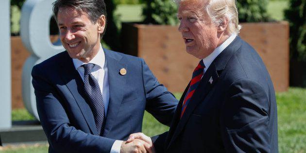 Giuseppe Conte et Donald Trump après la photo de famille du G7 à La Malbaie, au Québec, le 8