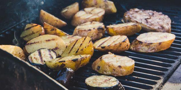 5 recettes de pommes de terre à faire au barbecue