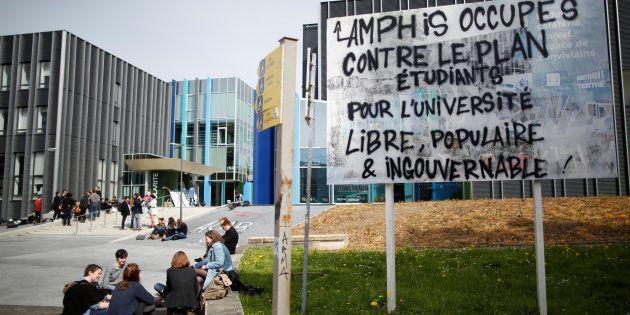 À Nantes, deux enseignants sanctionnés après le blocage des examens en