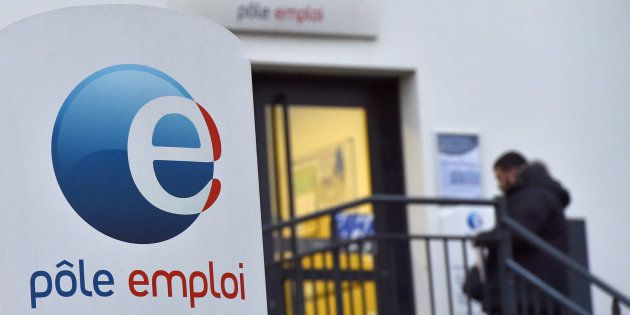 Chiffres du chômage: le nombre de chômeurs inscrits à Pôle Emploi baisse de 0,1% en décembre, et 0,5%...