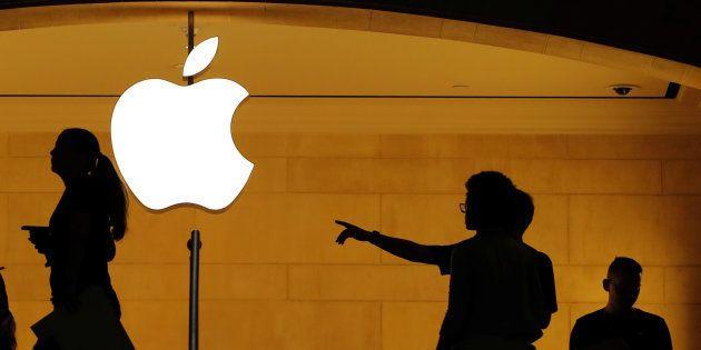 Apple entre dans l'histoire, devenant la première entreprise privée à valoir plus de 1000 milliards en