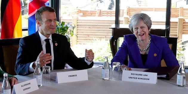 Emmanuel Macron et Thersea May lors du G7 au mois de